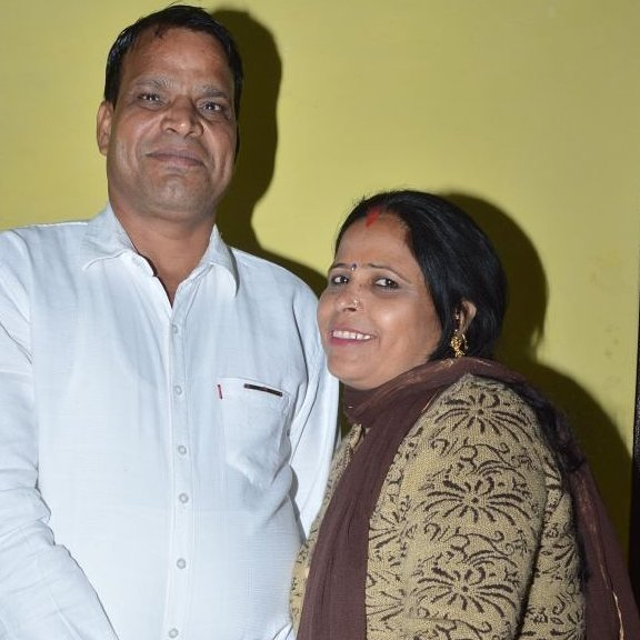 Oomaira Yadav Father and Mother