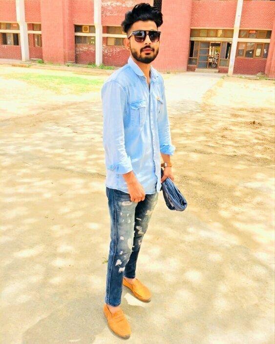 Maani Bhat