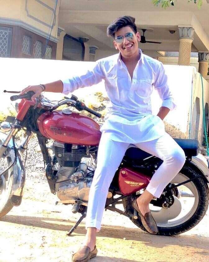 Dhruv Singhal